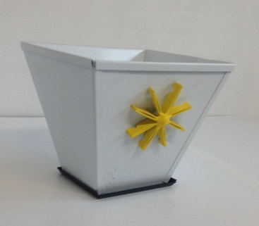 Single Planter with Flower Detail - Shipping Included NZ Wide