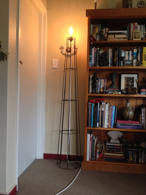 Big 1.6M Tall Standing Light Frame